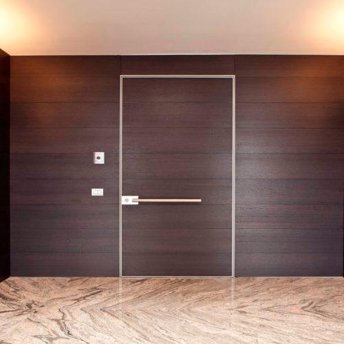puerta blindada Synua Wallsystem de Oikos Venezia