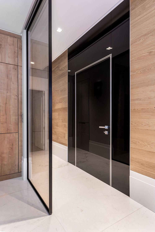 Puertas acorazadas Oikos con acabado interior de vidrio