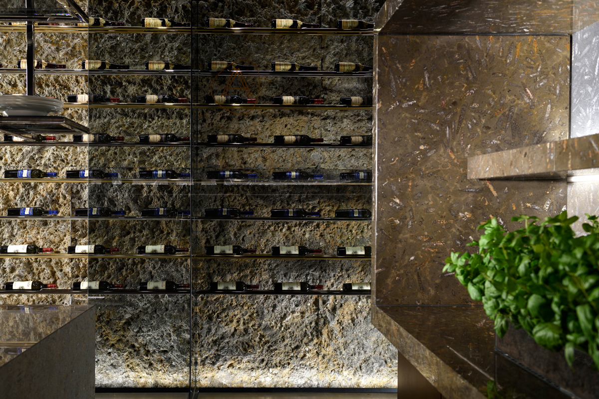 Jurassic Stratum piedra natural en proyecto cava de vinos a medida