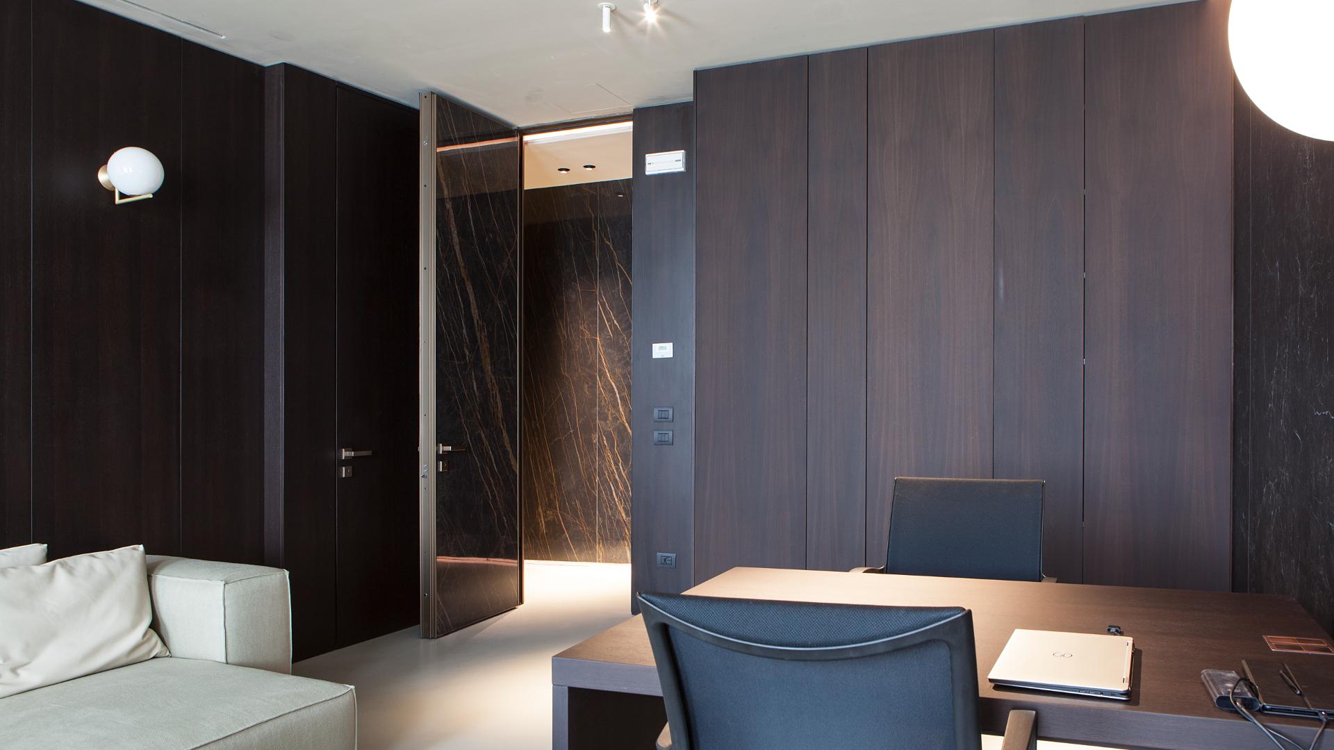 puerta Project de Oikos interior despacho