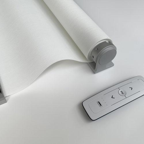 Sistemas enrollables con motor con batería y mando a distancia de Mycore Soluciones arquitectónicas