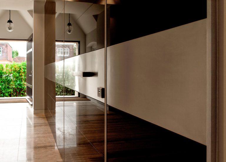 puerta blindada Synua Wall System de Oikos